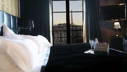 First Hotel Paris - Tour Eiffel