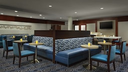 Courtyard by Marriott Boston-Cambridge