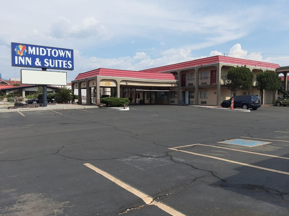 Midtown Inn & Suites