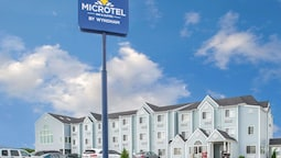 Microtel Inn & Suites by Wyndham Lincoln