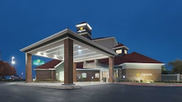 La Quinta Inn & Suites by Wyndham Oklahoma City - NW Expwy