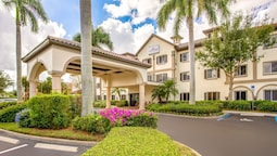 Hawthorn Suites by Wyndham Naples Pine Ridge
