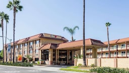 Super 8 by Wyndham Anaheim/Disneyland Drive