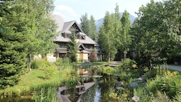 Accommodations by Whistler Retreats