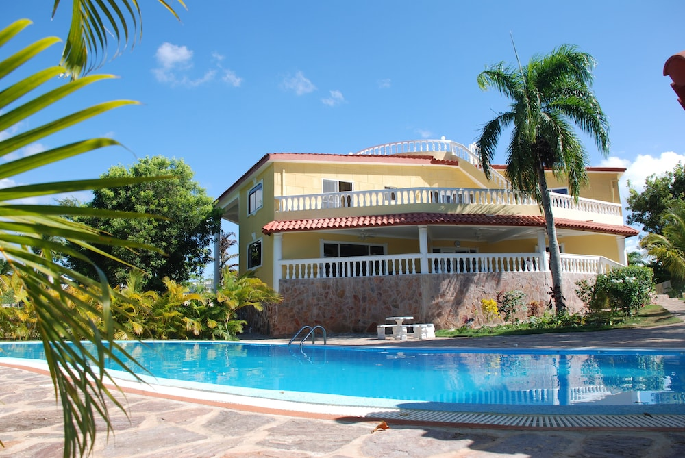Four Bedroom Villa with Private Pool, Ocean View