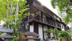 Villa Lao Traditional House Hotel