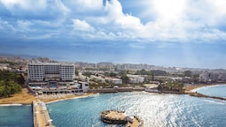 Azura Deluxe Resort & Spa - All Inclusive