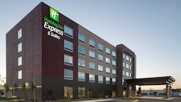 Holiday Inn Express & Suites Duluth North - Miller Hill