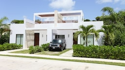 Bahia Principe Vacation Rentals-Green 3-Two-Bedroom Villas