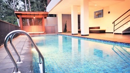 Cempaka 2 Villa 6 Bedrooms with a Private Pool