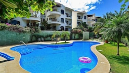 2BR Condo up in the hills of Tamarindo by RedAwning