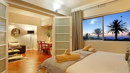 Afribode Acc Adenium Beachfront Apartment