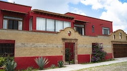 Tadeo Inn Bed & Breakfast