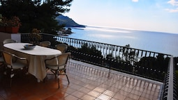 Villa Laura Apartment Sea View