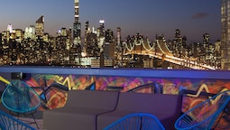 Aloft Long Island City - Manhattan View