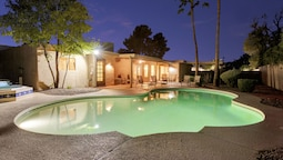 Redfield - 4 Bedroom Home - Scottsdale