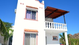 Las Glorias LG104 1 Bedroom Apartment By Seaside San Carlos