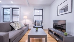 Airy 1BR in Theater District by Sonder