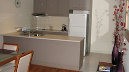 City Escape 2BD in Adelaides East End 1