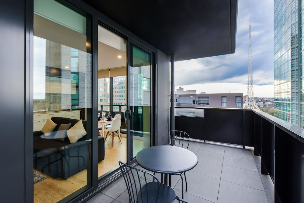 Serviced Apartments Melbourne- Opus
