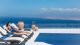 Villa Santorini, Wine Dark Sea Villas