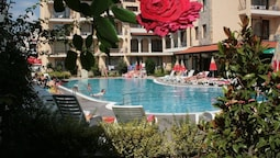Aparthotel Rose Village
