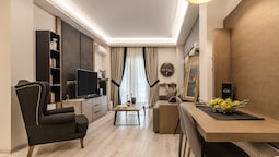 Acropolis Elegant Apartment