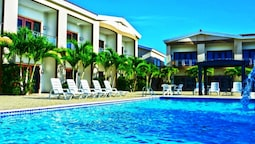 Aruba Breeze Condominium Hotel