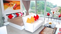 Chic Karon Studio Amazing View