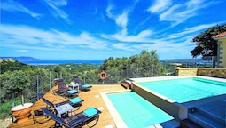 Cretan View Villa with Heated Swimming Pool
