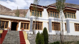 Kailash Mansarovar Home Stay & Guest HS