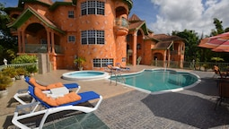 Dream Castle Villa, Montego Bay 8BR