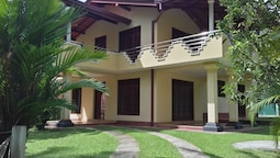 Vinses Villa in Hikkaduwa