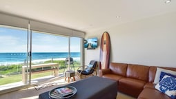 Regency Court- Absolute Beachfront