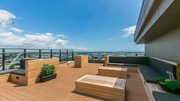 Penthouse with Access to Exclusive Rooftop Terrace - by Urban Butler