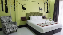 Color Creative Hotel - Hostel