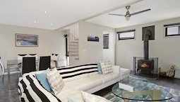 Breakaway Bright - Superb Townhouse