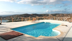 Villa With 3 Bedrooms in Paros, With Wonderful sea View, Shared Pool a