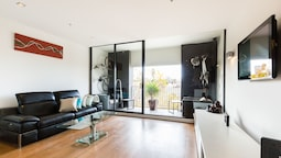 CLEO, 1BDR St.Kilda Apartment