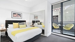 LIZZI, Melbourne Studio Apartment