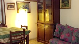Apartment With 2 Bedrooms in Palermo, With Balcony and Wifi - 13 km Fr
