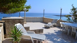 House With 2 Bedrooms in Monopoli, With Wonderful sea View, Enclosed G
