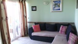 Apartment With one Bedroom in Zaton, With Furnished Garden and Wifi -