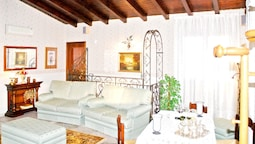 Property With one Bedroom in Viagrande, With Furnished Garden - 12 km