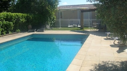 Bright Apartment With one Bedroom in Robion, With Pool Access, Enclose