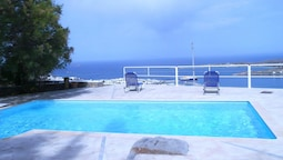 Villa With 2 Bedrooms in Paros, With Wonderful sea View, Pool Access,