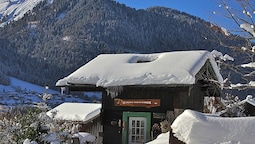 Chalet With one Room in Montriond, With Wonderful Mountain View, Furni