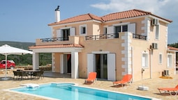 Villa With 3 Bedrooms in Lixouri, With Wonderful sea View, Private Poo