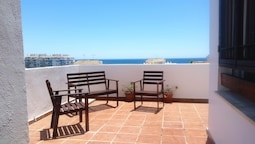 Apartment With 2 Bedrooms in Estepona, With Wonderful sea View, Shared