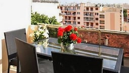 Apartment With 2 Bedrooms in Juan les Pins, With Wonderful City View,